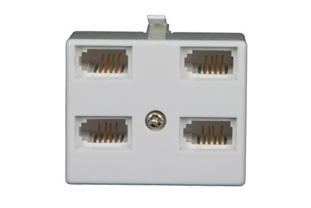 BT-plug--4-x-BT-sockets-adaptor.JPG