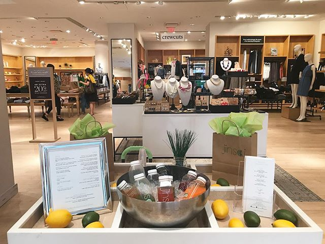 On Thursday we spent #JCrewHappyHour with @jcrew in @tysonsgalleria. We love partnering up to spread some #liquidawesomeness cheer!