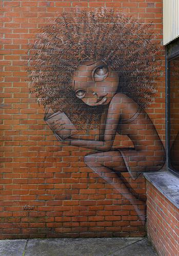 Graffiti by Vinie in Medellin