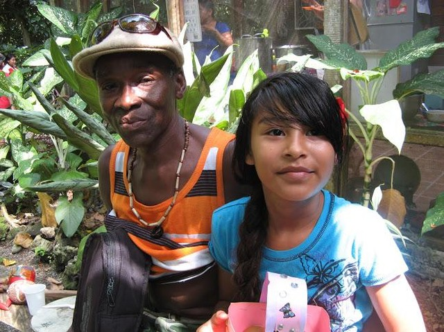 Yvonne, 7 Years Volunteer at The Bridge Community Kitchen, is becoming proficient at cake decorating, art, and calligraphy.  After only her first week in our 'back to school' Bridge program, she is now eager to learn French and animal husbandry, part of the curriculum at her new high school. She is pictured here with her father, a member of our community. Donate today to help more kids like Yvonne reach their educational goals.⠀ elpuente-thebridge.org⠀ #elpuentethebridge⠀ #puertoviejo⠀ #talamanca⠀ #costarica⠀ #bribri⠀ #cabecar⠀ #communitykitchen⠀ #soupkitchen⠀ #education⠀ #feedthechildren⠀ #educatekids⠀ #school⠀ #childrenscharity⠀ #literacy⠀ #latinamerica⠀ #centralamerica⠀ #communitycentre⠀ #caribbean⠀ #junglelife⠀ #donate⠀ #gofundme⠀ #helpkids⠀ #learn⠀ #ngo⠀ #socialimpact⠀ #nonprofits⠀ #volunteers⠀ #volunteerwork⠀ #volunteeringisfun⠀ #makingadifference