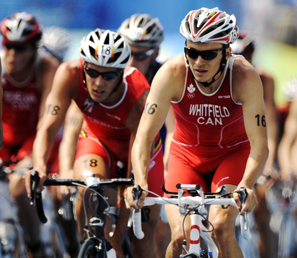 simon_whitfield_leads_thepack.jpeg