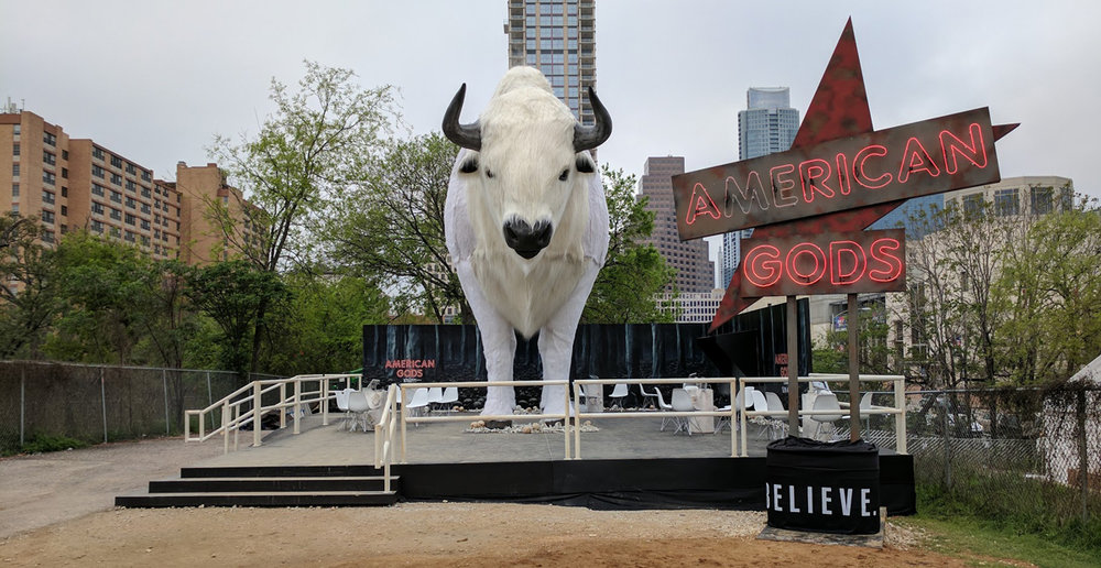 La adaptación de la novela American Gods de Neil Gaiman a serie televisiva tuvo su premiere mundial en el SXSW 2017.