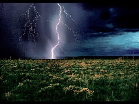 Lightning Field .  Photo .