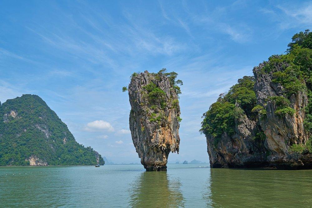 phang-nga-bay-2076834_1280.jpg