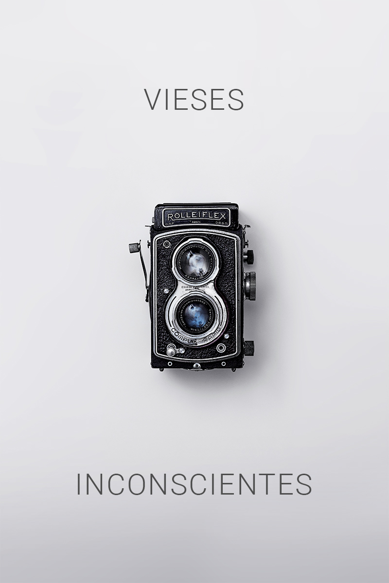 people-analytics-curso-in-company-vieses-inconscientes-máquina-fotográfica-vintage-preta-em-fundo-branco.jpg