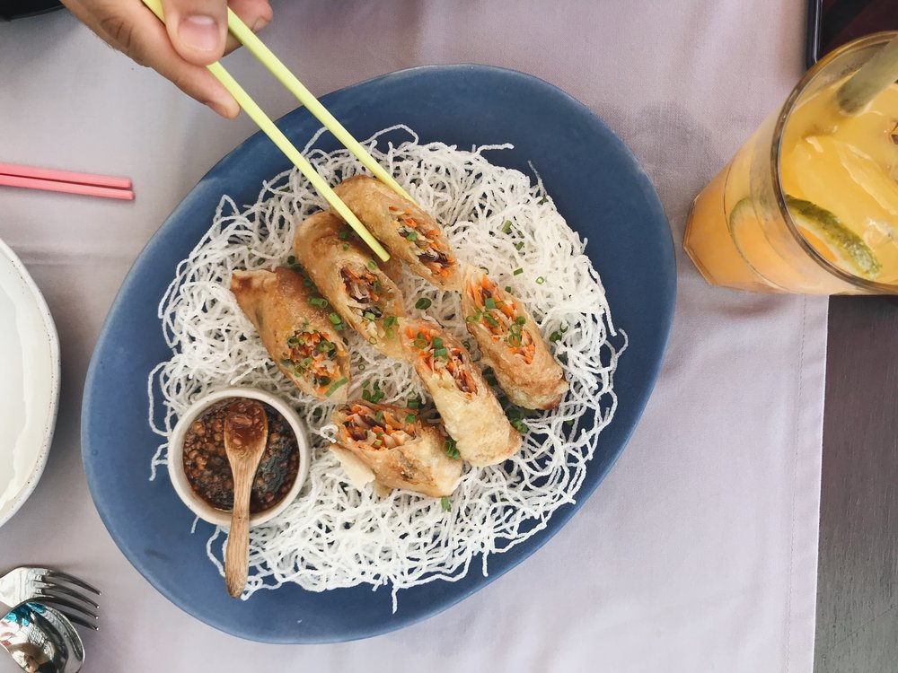 Vegetable spring rolls with a peanut sauce