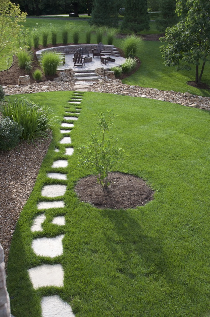 field-stone-walkway-columbia-missouri-landscaping.jpg