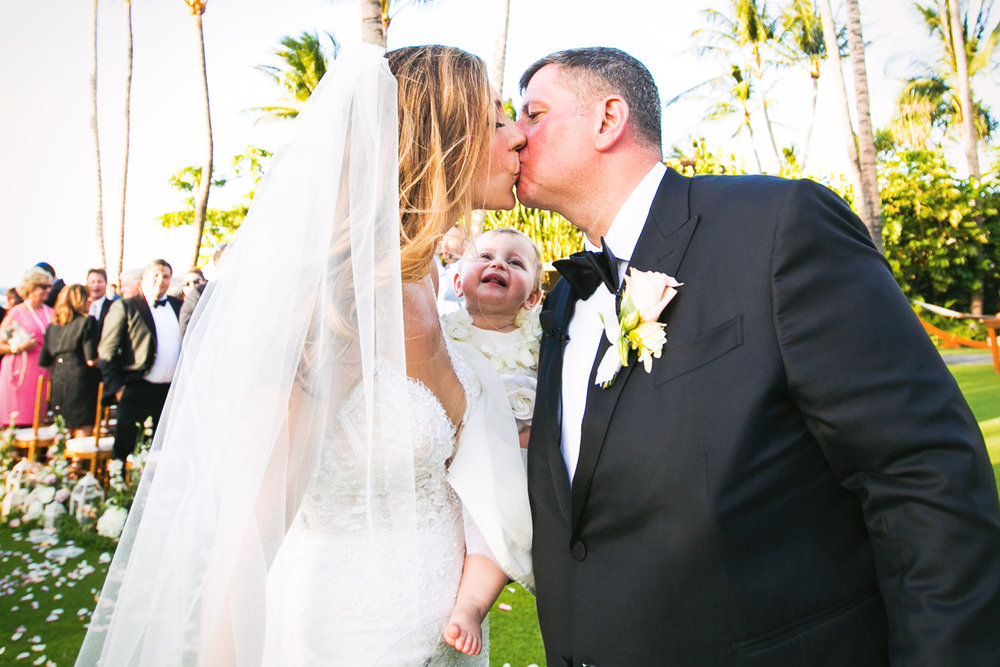 Big Island Wedding Photographer Callaway Gable captures the perfect moment