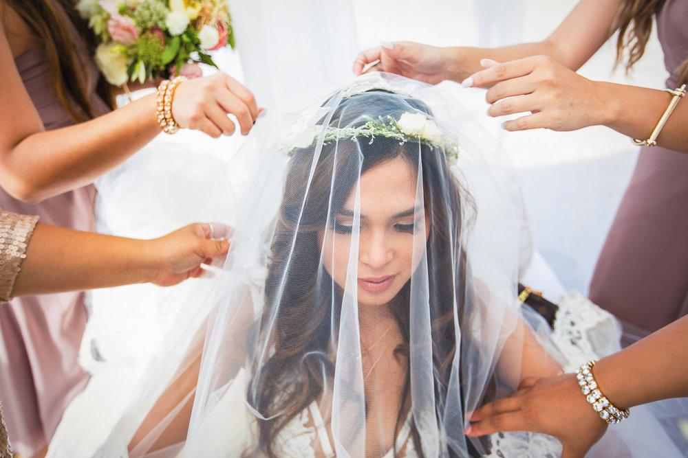 Los Olivos Wedding - Pretty Bride Getting Ready