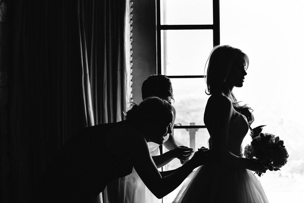 Malibu Rocky Oaks Photographer - Bride getting Ready