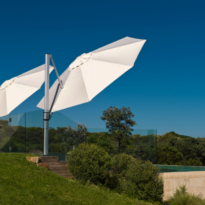 Side_Post_Umbrellas_-_angled_for_shade_art.jpg