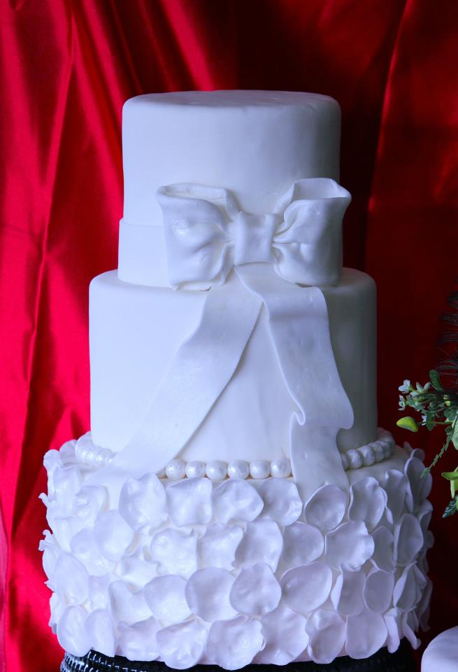 White Wedding Cake Queen Victoria Bakes