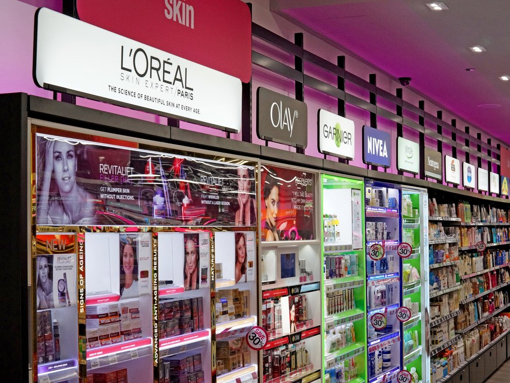 PRICELINE  iDesign provided full CAD engineering and project management of interior signage and lighting systems within all Priceline stores in the ongoing upgrade to current and all future stores over a 5 year period  >>  read more