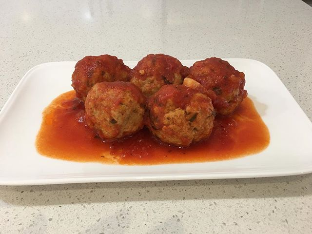 Nothing better than fresh meatballs on a Friday!! #meatballs #cheese #fridaydinners