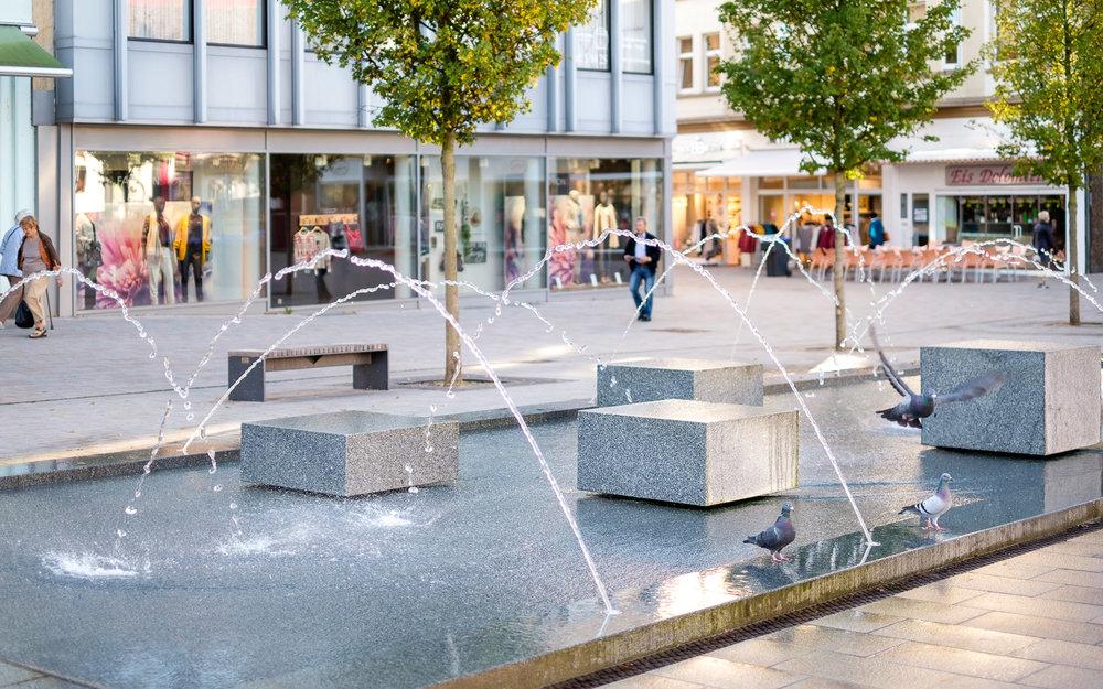 Brunnenanlage in der Innenstadt von Bad Salzuflen (Nordrhein-Westfalen), Projektdokumentation für scape Landschaftsarchitekten, Oktober 2017