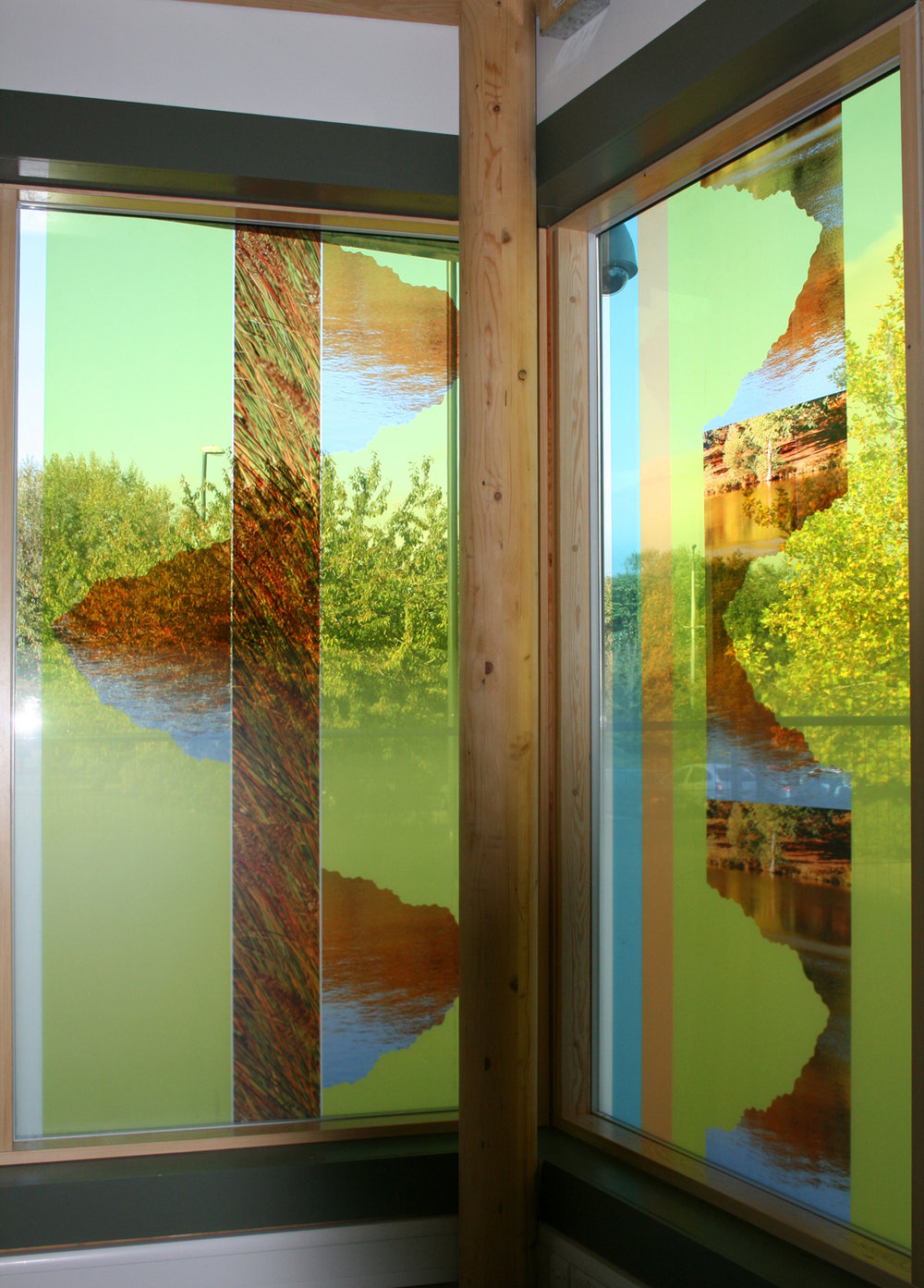 1 The Bewbush Centre, Crawley - interior, 257 x 143cm, laminated& printed glass copy.jpg