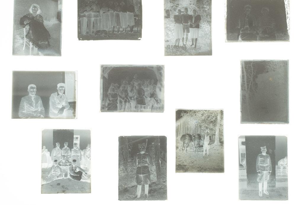 """""""Modrinjakovih 100""""(muzejska zbirka) + """"Fotoknjiga+fotozin""""(skupinska razstava)"""
