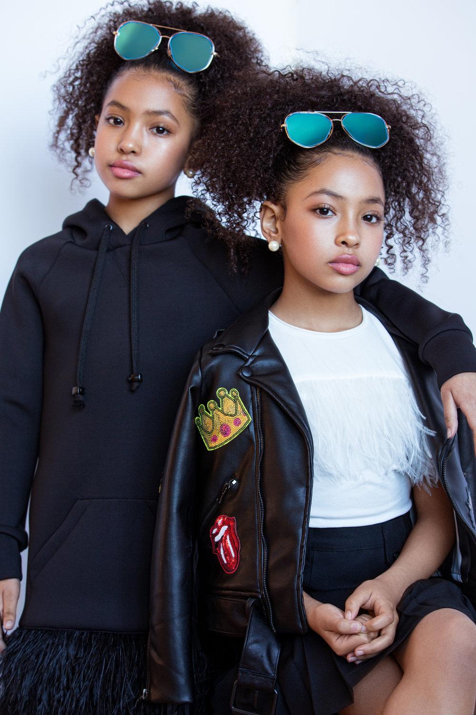 Anais & Mirabelle -