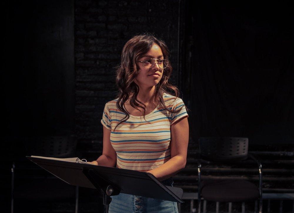 Julia played by Amanda Borges