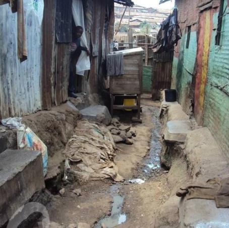 kenya slum pic.png