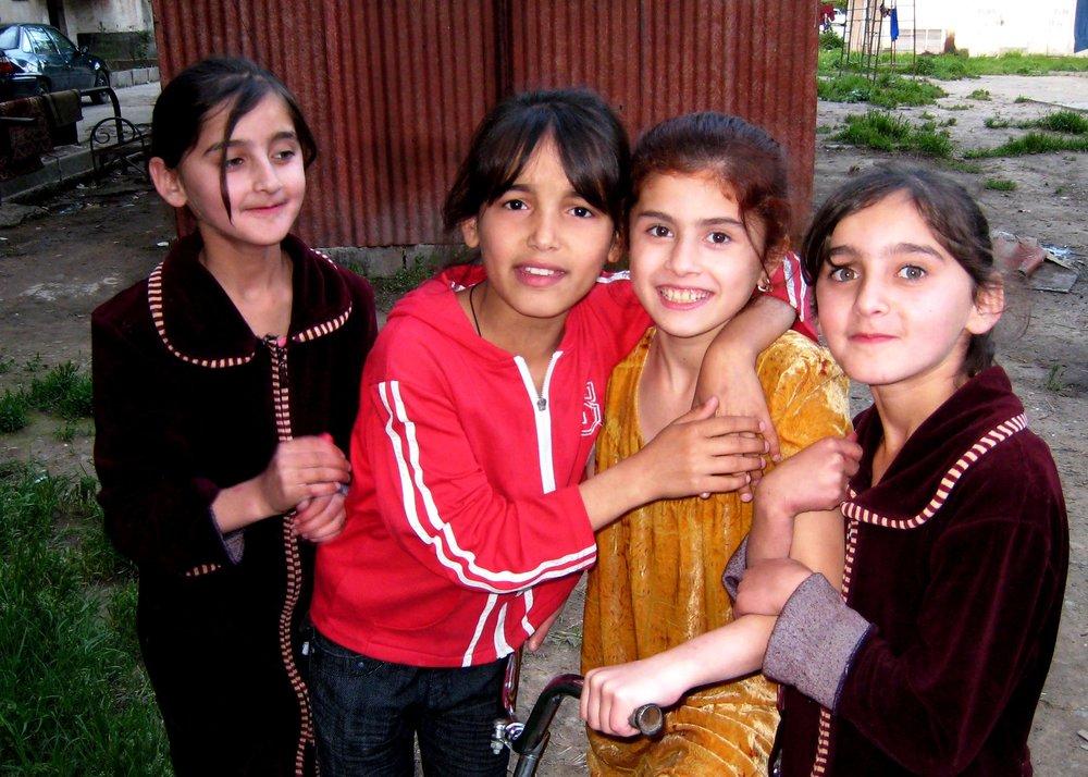 girls_TAJIKISTAN.jpg