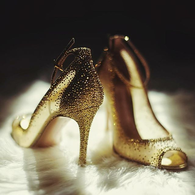 👠😍 photo by @ronniescavetta . . . . #rickyrestianophotography #rickyrestiano#weddingphotographer#westchesterweddings #nywedding#photography #photoshoot#photographer #photo #bride #brides #groom#love #photooftheday#weddinginspiration #strictlyweddings #weddingdream #weddingdiary
