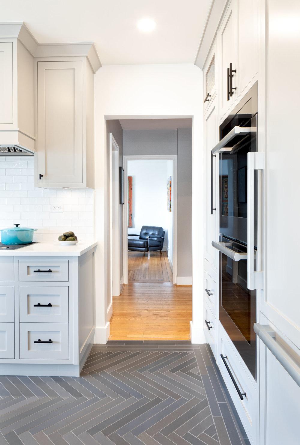 3361 Kitchen 4.jpg