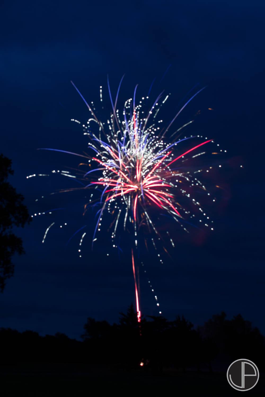 7-3-16 Fireworks-5.jpg