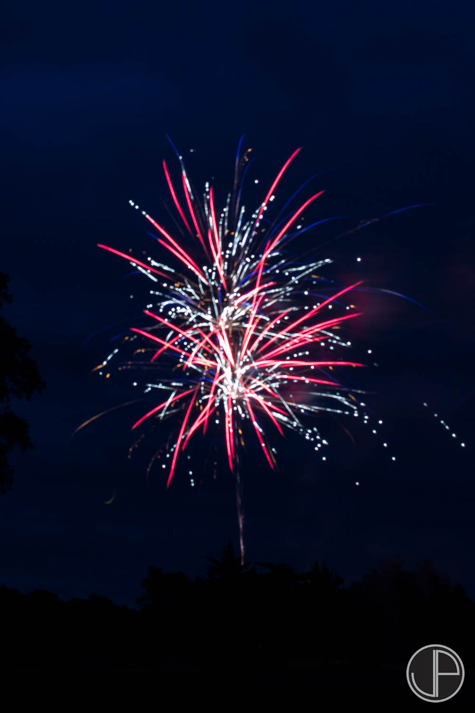 7-3-16 Fireworks-6.jpg