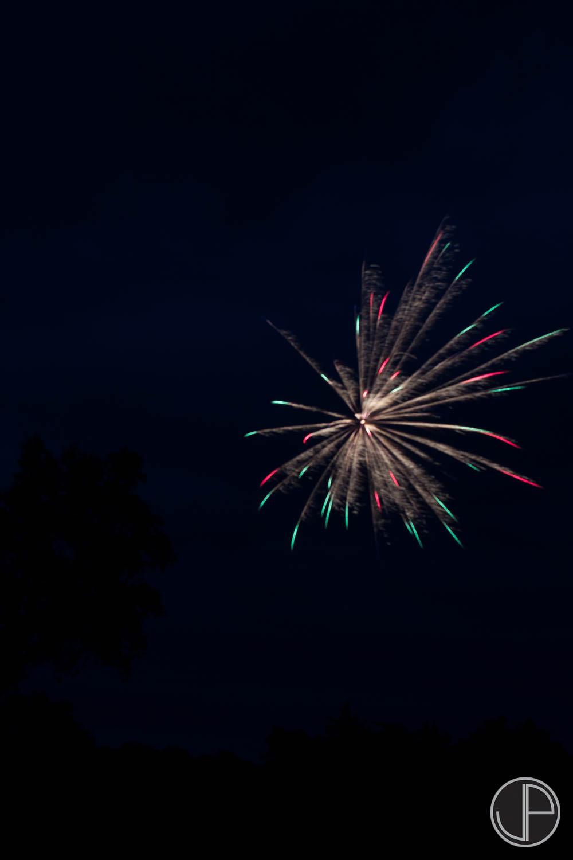 7-3-16 Fireworks-11.jpg