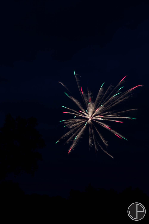 7-3-16 Fireworks-12.jpg
