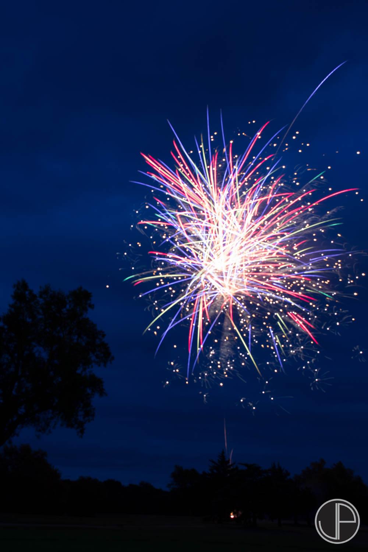 7-3-16 Fireworks-13.jpg