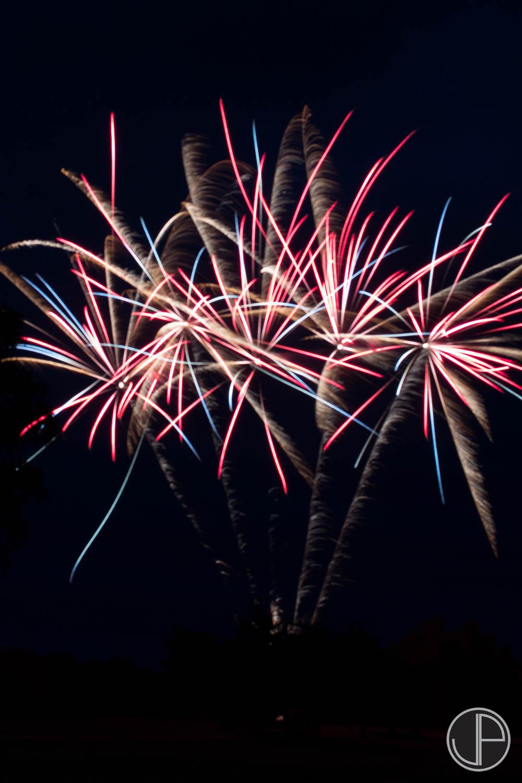 7-3-16 Fireworks-24.jpg