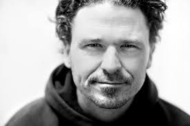 TRIBUTE BYDAVE EGGERS  -