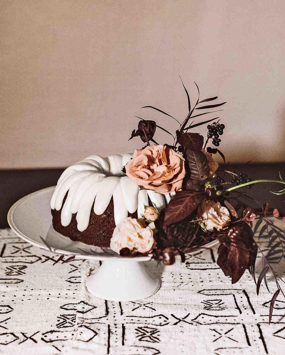 lori-john-wedding-california-cake-103037964_vert.jpg