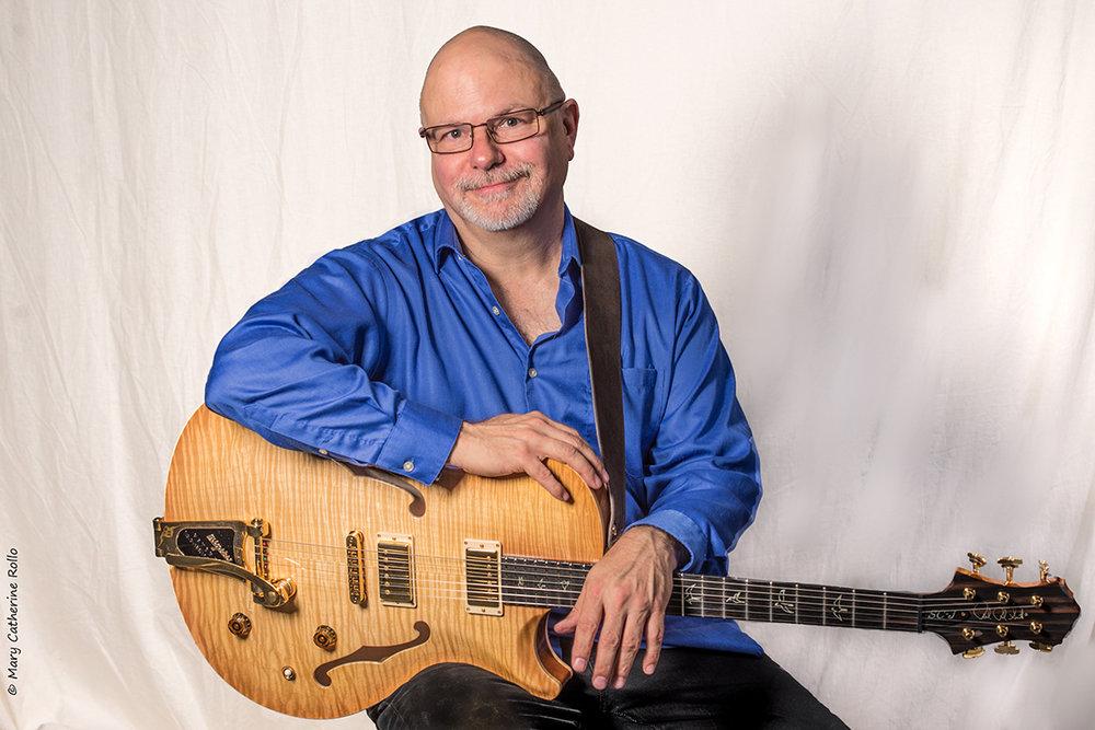 Michael Garvin guitar (c) M.C. Rollo 2017-2.jpg