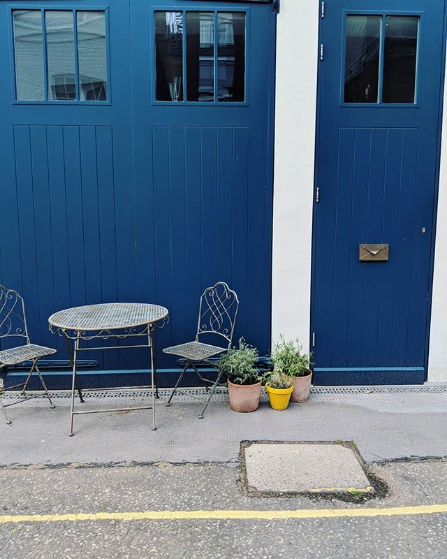This is a bit cute isn't it 😀. Cute little seating areas give me good feelings. 😀