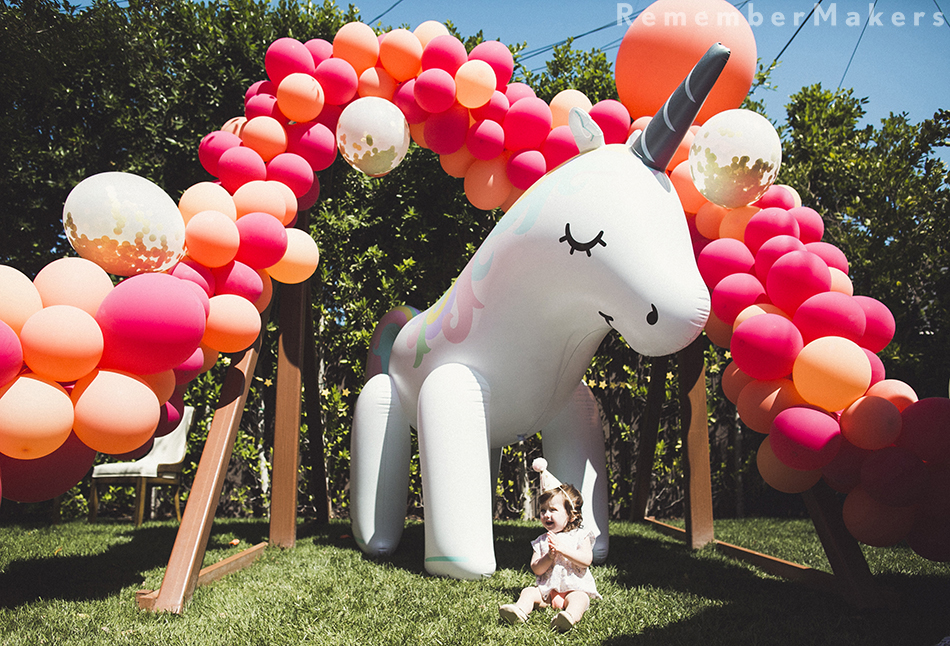 1st birthday photography los angeles unicorn rainbow balloons