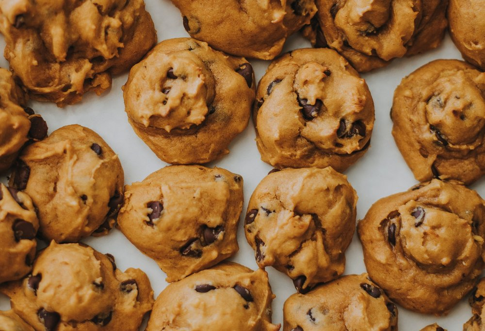 Pumpkin Chocolate Chip Cookies - You can eat as many as you want if they're little cookies… right??