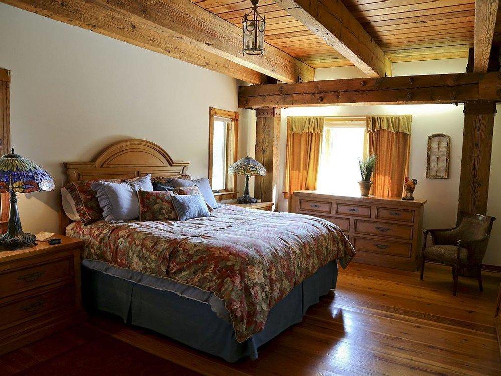 House - Bedroom 2.jpg