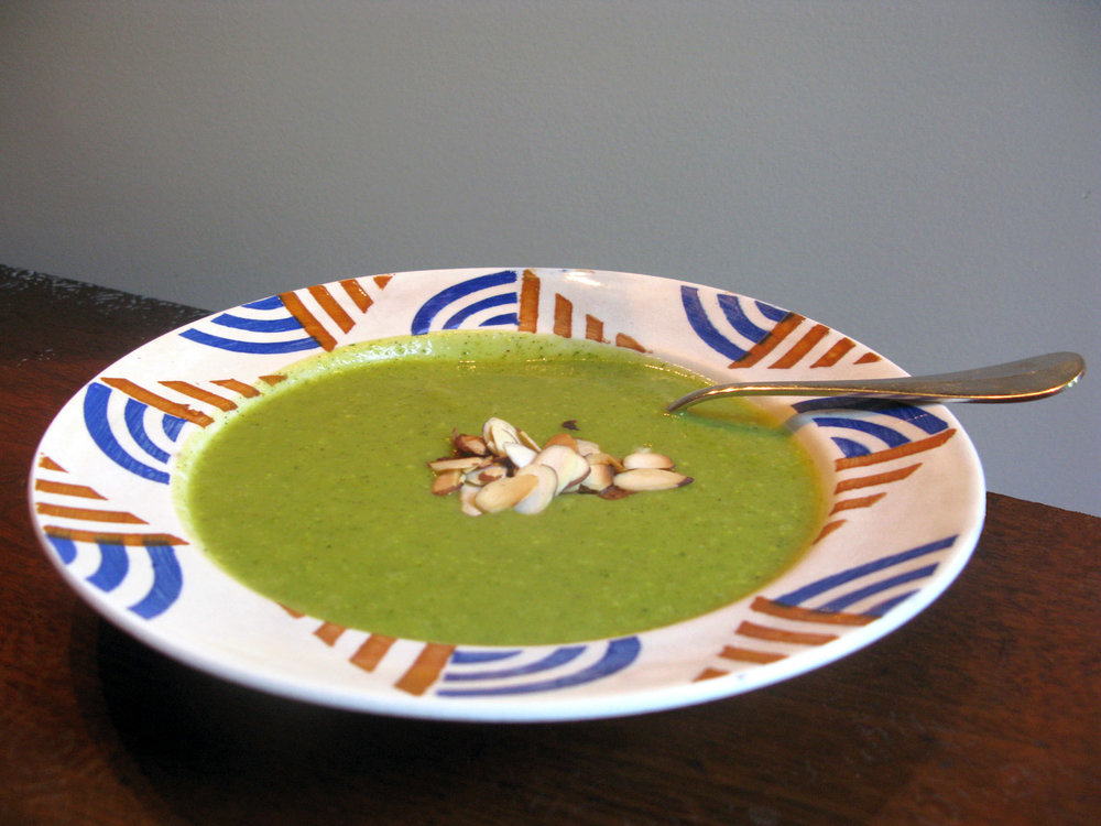 easy, spiced zucchini soup for vegans and vegetarians