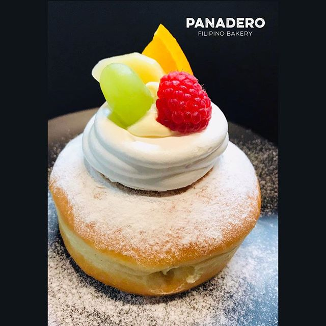 Our own version of 'FRUITY PAVLOVA' 🍒🍏🍇 Filled with pastry cream, on topped is crispy chewy meringue and fresh fruits!! 😋🤤 . . This is for LIMITED TIME OFFER ONLY!!! . . And don't forget to check our opening hours below 👇🏻👇🏻👇🏻 . Monday-Friday 9:00am-6:30pm . Saturday 8:30am-6:30pm . Sunday 8:30am-6:00pm . . #pavlova #fruit #donut #panaderobakery #panaderobakerychch #christchurch #christchurchbakery #newzealand