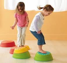 HOP & SQUEAK - Play based and therapeutic, this group is for ages 2-4 years and emphasizes sensorimotor, social interaction and communication tools in everyday imaginative play.
