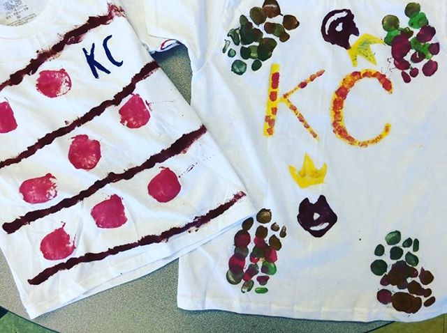 The children from KC made these! They turned out AMAZING! Thanks to all the parents for bringing in white t-shirts. They had so much fun & are excited to wear them. We're encouraging everyone to wear them for our Field Day this Friday, the end of the year celebration & last day of school please.