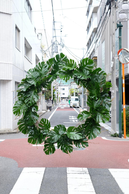 Loose Leaf_Hover Wreath_Monstera_Tokyo_2017.jpg
