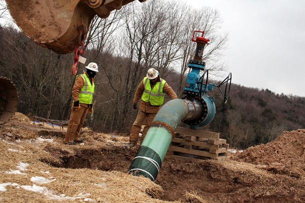 fracking-boom-benefits-some-small-businesses.jpg