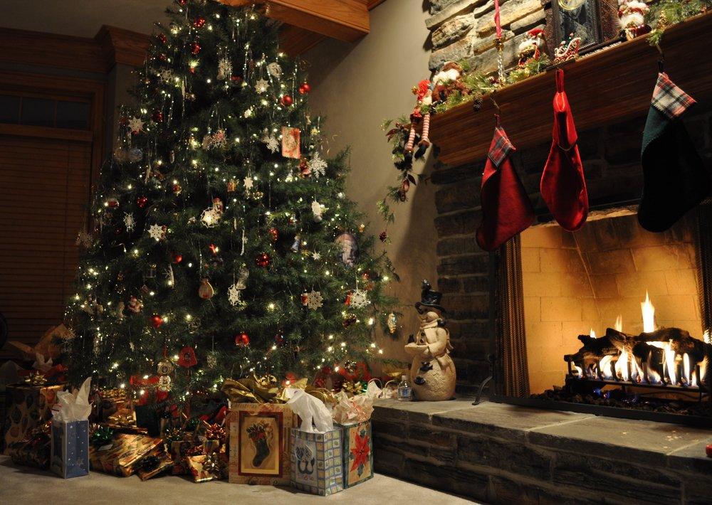 Christmastree-womenmomsblog.jpg