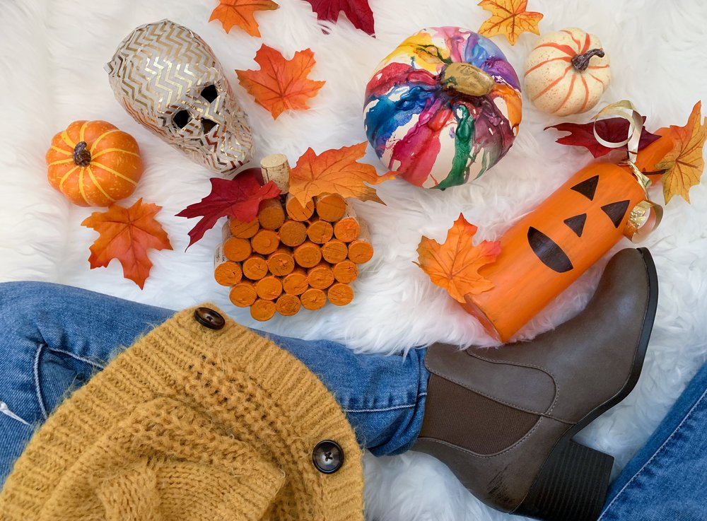 Fall DIY Crafts - Oct. 4th, 2018Fall is finally here!!!! Fall time is the best time because of all the yummy drinks, HALLOWEEN ( OF COURSE), the cooler weather, and the DECOR....