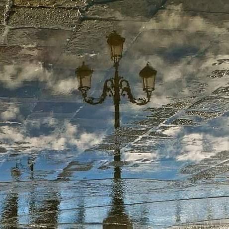 #veniceitaly #venezia #venise #philippeapatie #ig_venezia #igersvenezia #streetphotography #streetdreamsmag #sanmarco #sanmarcosquare #venetissimo #veneziadavivere #citykillerz #urbanromantix