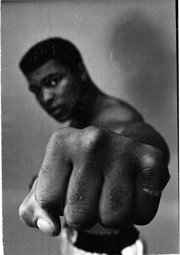 Ali Fist black - London 1966